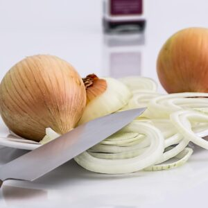 onion-slice-knife-food