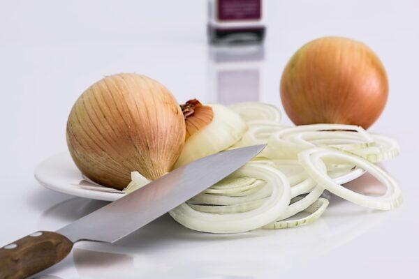 onion-slice-knife-food